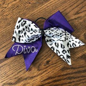DIVA cheer bow